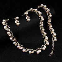 Cadenas 3pcs / set Jewelry Jewelry Set para la cadena de las mujeres Cadena de moda Lady Dama Temperamento Beads Pulsera Pendientes Collares 2021 Regalo O8B6