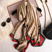 Diseño Marca Seda Bufanda Ladies Shawal All-Match Impresión a rayas Folmed Femme Beach Bufandas de lujo