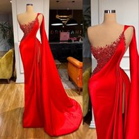 2021 Sexy Red Evening Dresses Wear One Shoulder Illusion Sheath Pearls Side Split Special Occasion Prom Gowns Arabic Middle East With Cape