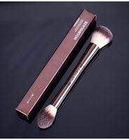 أفضل الإضاءة الحمائية الرملية تحرير فرشاة ماكياج مزدوجة انتهت الوجه متعدد الوظائف Bronzer استحى مسحوق مسحوق التجميل