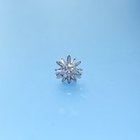 Vintage Gold plate white pure Zircon snowflake brooches for women and lady elegant Luxury shirt dress coat decoration pins