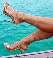 Hongyi Glideiator Sandal Shoes для женщин Летние каблуки STALETTO SOODALS на каблуках открытые пальмы насосы платформы с пряжками
