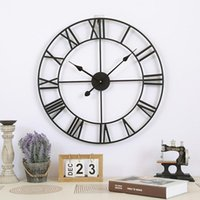 Wall Clocks 1PC Clock40 47CM Nordic Metal Roman Numeral Retro Iron Round Outdoor Garden Clock Home Decoration