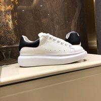 [Kutu ile] En Kaliteli Erkek Rahat Ayakkabılar Bayan Sneaker Moda Chaussures Ayakkabı Güzel Platformu Sneakers Deri Katı Renkler Elbise Büyük Süet Eğitmenler