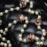 Sinzry Personality Cubic Zircon Zircone Daisy Flower Ball Simulated Pearl Collana lunga collana donna maglione gioielli invernali collane invernali