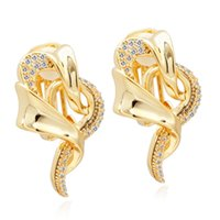 VAROLE Twisted Art Clip-on Screw Back Earrings For Women With Sparkle Cubic Zirconia Gold Color Ear Cuff Friends Gift Fashion Jewelry Boucle