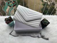 2021 Bolsos de diseño Tote Sheepskin Caviar Cadena de metal Silver Designer Bolso Bolso de cuero Flip Cover Bolsas de hombro diagonales con bolsa de polvo