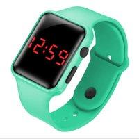Outdoor LED CWP-Studenten Jungen Mädchen Watch Quarzuhr Komfortable Silikonband Verschleißfeste Armbänder Digitale Armbanduhren