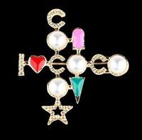 2021 Llegada Pearl Cross Broche Coco Set Sapa Pin Famous Fashion Jewelry Accessories Love Gift Alta Calidad
