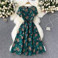 Donne da ricamo in pizzo vestito retrò manica corta o collo A-line Dresses estate alta qualità moda streetwear prendisole 2021