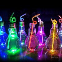 LED 전구 물병 플라스틱 우유 주스 물 병 일회용 누출 방지 음료 컵 바다에 의해 뚜껑 크리 에이 티브 drinkware와 컵 t2i52150