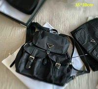 للجنسين dseigners سوداء سلسلة الظهر المرأة حقائب الكتف متوسطة الحجم رجل الفاخرة الحقائب المدرسية الأزياء مع مثلث السفر حقيبة كبيرة