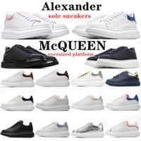 alexander mcqueen mcqueens sneakers baskets mqueen hombres mujeres blancas zapatos para hombre espadrilles planos plataforma zapatos de gran tamaño zapatillas de deporte plana