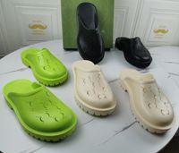 الرجال النساء مثقب النعال مصممين منصة صندل فاخرة إسفين المطاط قطع الشريحة منحوتة جوفاء الشقق الأحذية تنفس الشاطئ النعال