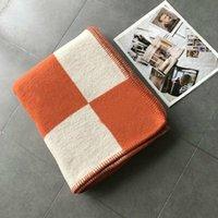Buchstaben Kaschmirdecke Häkeln Weichwollschal Tragbare Warme Plaid Sofa Travel Fleece gestrickte Wurfkapsdecken 5 Farben