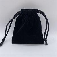 100pcs / Lot Black Velvet Bijoux Sacs-cadeaux Pochettes pour Craft Fashion Bijoux Cadeau 193 U2