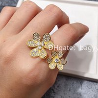 Jewelry Ladies ring Love rings Pendant Van Necklaces Screw Earrings carti Bracelet Party Wedding Couple Gift Fashion Luxury cleef designer [with box] a01