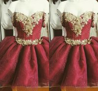 2021 Red Gold Short Prom Homecoming Dresses Flowers Floral Applique Off The Shoulder Mini Graduation Party Dress Junior Formal Evening Gowns