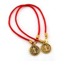 100 unids Jesús Benedicto Nuria Patron Medalla Cruz Alloy Charms Pulsera para hombres Sra. Regalo de joyería C-85