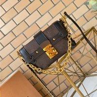 Traine de bagages Little and Lock Shape Fashion Mode Tiny Essential Cool Studs Boîte parfaite Pour avec Treasures Bandoulière Mini Femme Sac Metal Oaawa