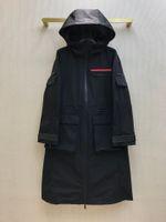 21ss 여성 트렌치 코트 디자이너 레트로 긴 재킷 한정판 루스 레드 로고 고무 장식 다중 지퍼 포켓 스티치 가을 럭셔리 후드