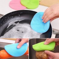 다기능 주방 식기 세척 브러시 실리콘 안전 비 스틱 유성 재료 물티슈 열 절연 패드 코스터 브러쉬 냄비 및 가정용 청소를위한 그릇