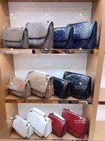 Классический Postman Bag Bag Нефть Воск Кожа Роскошные Сумки на плечо Леди Мода Большая Емкость Кошелек Многоцветный Дополнительный Покупки Образцовый кошелек