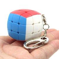Mini 3.5cm 3x3 Speed Bread Cube Key Ring Decompression Fidget Cubes Finger Toys Tiktok Leaf Three Bodies Shape Keychain Bag Pendant Puzzle Charms L611RVVK