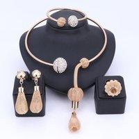 Charme Dubai Gold Banhado Jóias De Cristal Conjuntos Para Mulheres Africano Pingente Colar Brincos Bangle Rings Party Dress Acessórios