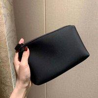 أحدث هدية vip شعور جيد اليد مع شعار ماكياج حقيبة أحمر الشفاه مخلب حامل السفر أدوات الزينة الأزياء تخزين أكياس مع مربع