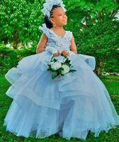 2021 백리스 레이스 꽃 소녀 드레스 V 넥 베드 칸막이 가운 얇은 명주 그레트 아이들의 생일 봉틀 웨딩 드레스