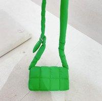 أكياس الإناث الرجعية خط السيارات النايلون حقيبة مربع صغير بسيط الأزياء حقيبة واحدة الكتف رسول حقيبة