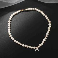 Collier de perles de perles fraîche pour femmes alphabet alphabet A-Z Shell lettre initiale boucle d'or couleur pendentif cadeau de bijoux