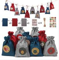 Bolsa de regalo de Navidad Bolsillo de lino Bolsillo de bolsillo Bolsa de caramelo Festival Regalo Colgante Cuenta abajo 24 juegos de bolsas de Navidad con pegatina de madera Abrazaderas de madera.