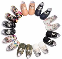 First Walkers Flower Print Lace Up Leather Baby Sneakers Shoes Moccasins Rubber Sole Born Soft Infants Crib Walker