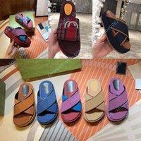 Sandali piatti di lusso Design Ricamo Ricamo Nero Pantofole di Soletto Black Thick Beach Tempo libero Indoor Set completo di accessori 35-41Shoe008 170444