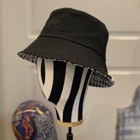 Tasarımcı Kova Şapka Erkek Bayan Bere Kap Geniş Şımartlar Casual Saf Pamuk Çift Taraflı Eski Çiçek Mektuplar Dört Mevsim Moda Güneş Kapaklar 2 Renk İsteğe Bağlı