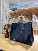 2021 럭셔리 대용량 Onthego Couture 범프 엠보싱 디자인 쇼핑 핸드백 색상 단일 어깨 핸드백 가방 큰 커패시터 UT Fie