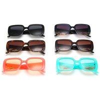 패션 여성 선글라스 금속 스트립 사원 태양 안경 개성 Adumbral Anti-UV 안경 대형 프레임 안경 A ++