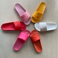 2021 Kadın / Adam Sandalet Kaliteli Şık Terlik Moda Klasikler Sandal Erkek Kadın Terlik Düz Ayakkabı Slayt AB: Kutusu Ayakkabı 015-45