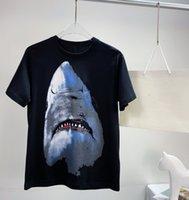 2021 디자이너 티셔츠 셔츠 남성 셔츠 여성 위대한 상어 이빨 인쇄 별이 빛나는 하늘 면화 luxurys 남자 짧은 소매