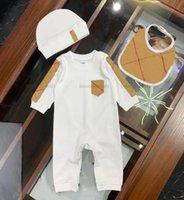 2021 Baby Sumpsuits primavera otoño ropa recién nacido niños niños niña mameluco sombrero babero 3pcs traje infantil niño diseñadores ropa