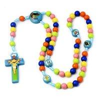 Joyería hecha a mano al por mayor Coloridas cuentas redondas Dibujos animados Cruz de niños Rosario Collar Joyería Joyería Religiosa Joyería