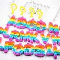 Arco-íris Letra Brinquedo PVC Chaveiro Pingente Soft Silicone Cor Carro Nupcial Presente Partido Suprimentos Decorações De Chuveiro De Bebê