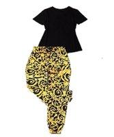 20SS Top Designers Летние Женские трексуиты Двухструктурные Набор Классический Вышивка Круглая Шере с коротким Рукавом 100% Хлопок Костюмы Мода Безвоздывающие брюки Спортивная одежда