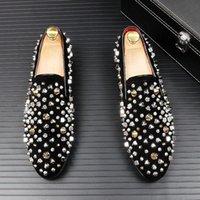 Dress Shoes Luxury Designer Men Pointed Rivet Rhinestone Punk Loafers Mens Wedding Oxford Formal Crystal Zapatos De Novio