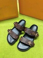 2021 Designer Männer Frauen Sandalen mit korrekter Blumenbox Staubbeutel Schuhe Schlangendruckrutsche Sommer breiter flacher Slipper
