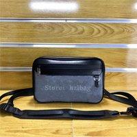 Erweiterbarer Messenger Mens Bag grau-schwarze Textilhandtasche mit metallischem Regenbogen-farbiger Label Kreuzkörper-Tasche M55698
