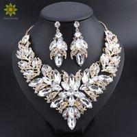 Flor de lujo Indian Jewelry Jewelry Sets Disfraz de boda Color de oro Collar Pendientes Set Crystal Set Jewellery For Brides 210324