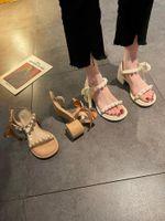 Sapatos de vestido 2021 sandálias feminino sapato alto salto alto espadrilles plataforma All-Match Moda pérola meninas de salto alto lacado bege retro